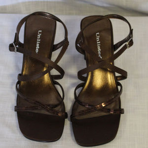 Women's NWT Size 7 Unlisted Chocolate Fabric Shoes